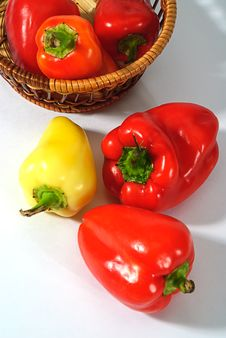 Free Red And Yellow Pepper Stock Photos - 6402203