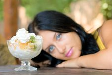 Free Beauty Girl See On Ice-cream Stock Photography - 6403822