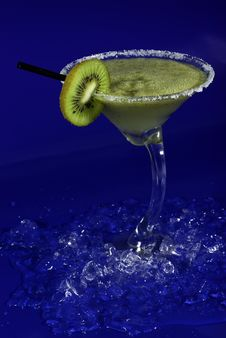 Free Green Cocktail With Kiwi Stock Photography - 6409062