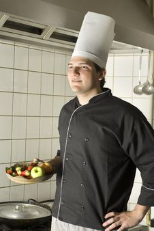 Free Chef Holding Fruit Royalty Free Stock Images - 6409479