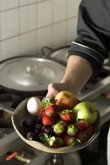 Free Chef Holding Fruit Stock Images - 6413214