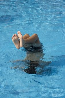 Free Boy Swimming Royalty Free Stock Images - 6413379