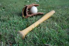 Free Baseball Bat With Glove Stock Photo - 6418480