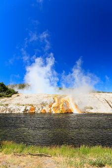 Free Midway Geyser Basin In Yellowstone Stock Images - 6418874