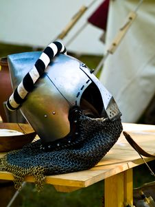 Free Helmet And Armour Royalty Free Stock Images - 6423439