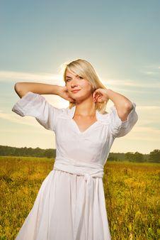 Free Beautiful Woman Outdoors Royalty Free Stock Image - 6424646