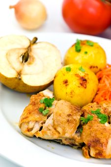 Free Roasted Chicken With Apple And Fried Potatoes Stock Images - 6429254