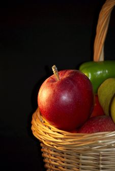 Free Red Apples In The Basket. Royalty Free Stock Image - 6431146