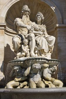 Free Architectural Detail Of Fountain. Vienna, Austria Royalty Free Stock Photography - 6434777