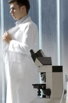 Free Young Scientist Thinking In His Lab Stock Photography - 6437142