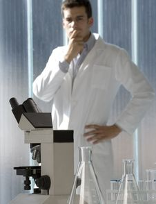 Free Young Scientist Thinking In His Lab Stock Photography - 6437162
