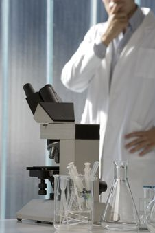 Free Young Scientist Thinking In His Lab Royalty Free Stock Photo - 6437175