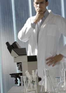 Free Young Scientist Thinking In His Lab Stock Photography - 6437182