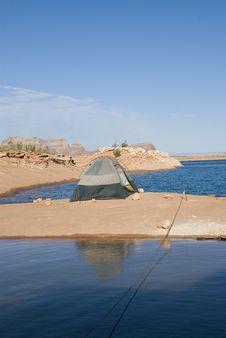 Free Camping At The Lake Royalty Free Stock Photos - 6437938