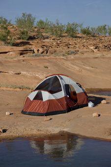 Free Camping At The Lake Stock Photography - 6438002