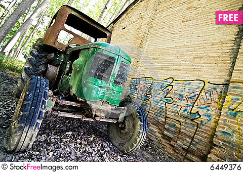 Free Old Tractor Royalty Free Stock Image - 6449376