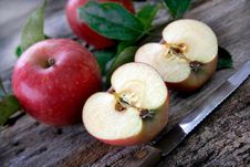 Free Sliced Apples Stock Photos - 6442603