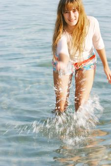 Free Beautiful Girl In Water Drops Stock Photography - 6444592