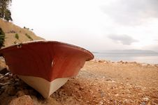 Free Old Rowing Boat And Sea Stock Images - 6450204