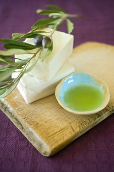 Free Olive Soap Royalty Free Stock Photo - 6451955