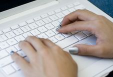 Free Hands Typing On Laptop Keyboard Royalty Free Stock Photography - 6452797