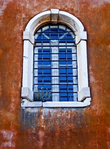 Free An Old Window Royalty Free Stock Images - 6453779