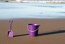 Free Purple Bucket And Spade Stock Photos - 6460553