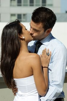 Free A Young Couple Kisses Stock Photography - 6463082