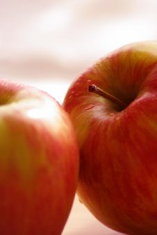 Free Red Apple Royalty Free Stock Photos - 6468128