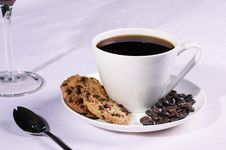 Free Coffee Cup With Biscuits And Coffee Beans Royalty Free Stock Photos - 6468608