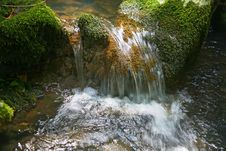 Free Small Waterfall Royalty Free Stock Images - 6468859