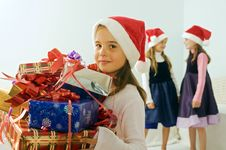 Free Three Little Girls With Christmas Presents Royalty Free Stock Photos - 6473748
