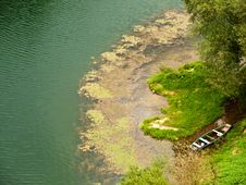 Free Boat On A River Royalty Free Stock Images - 6474999
