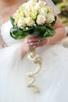 Free Bride And Wedding Bouquet Royalty Free Stock Photo - 6476205