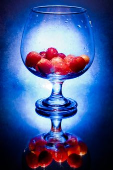 Free Glass  With Grapes Stock Image - 6480561
