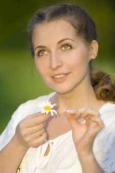 Free Woman With Chamomile Stock Images - 6481474