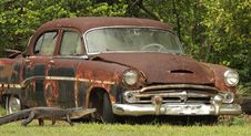 Free Rusty Car And Alligator Royalty Free Stock Image - 6484496