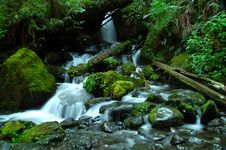 Free A Silky Waterfall Horizontal Royalty Free Stock Photos - 6484588