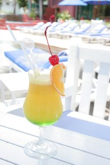 Free Beverage At Pool Stock Photography - 6486812