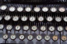 Free Vintage Typewriter Keys Royalty Free Stock Photos - 6488758