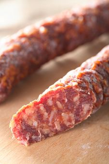 Free Roast Sausage On The Chopping Board Royalty Free Stock Photography - 6493007