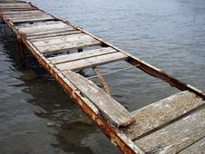 Free Old Bridge Over The Water Stock Photos - 655013