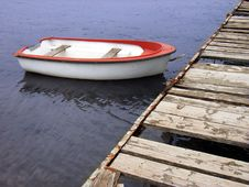 Free Boat Tied To The Quay Royalty Free Stock Photo - 655045