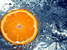 Free Orange In Water Royalty Free Stock Images - 658219