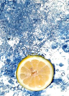 Free Lemon In Water Stock Photos - 658263