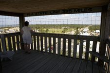 Free Enjoying The View Over Everglades City Royalty Free Stock Image - 659776