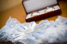 Free Wedding Rings And Garment Stock Images - 6503314