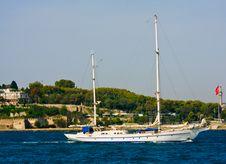 Free Yatch At Istanbul Bosphorus Stock Photo - 6504940