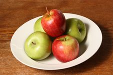 Free Landscape Apple Stack Bowl Royalty Free Stock Images - 6507249