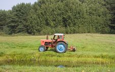 Free Tractor Harvest Royalty Free Stock Photos - 6510948